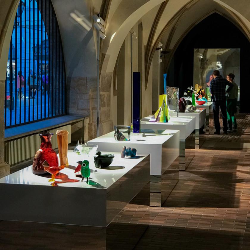 Křehká síla skla – výstavy